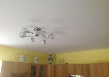 Фото натяжных потолков №Изготовление и монтаж натяжного потолка на кухне