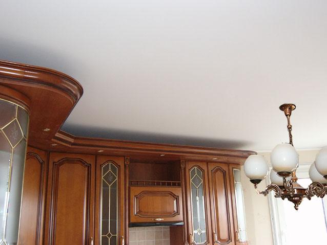 Фото натяжных потолков №матовый натяжной потолок в комнате