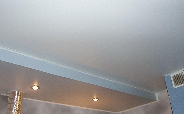 Фото натяжных потолков №потолок на кухне