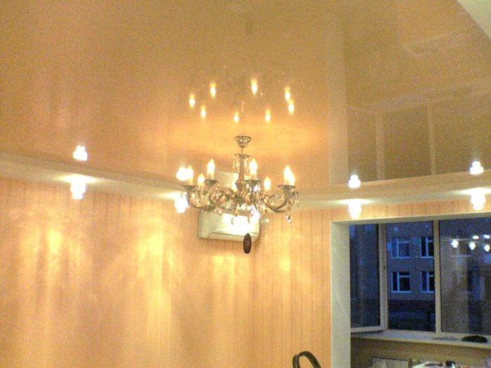 Фото натяжных потолков №Натяжные потолки с освещением
