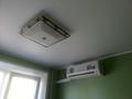 Фото Натяжной потолок в комнате с кондиционером