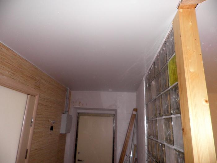 Фото натяжных потолков №Потолок в коридоре